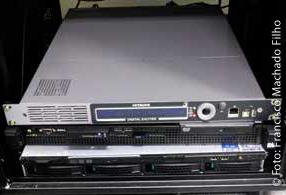 Transmissor digital de radiofreqüência Hitachi parasimulação interna dos testes das aplicações em Ginga