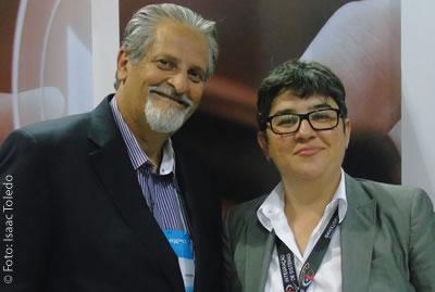 Daniela Souza, diretora executiva da AD e Jorge Hassen, presidente da empresa no estande da companhia no SET EXPO