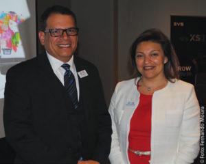 Alfredo Cabrera, novo VP de Vendas para América Latina da EVS e Muriel De Lathouwer, CEO de companhia na coletiva de imprensa da multinacional
