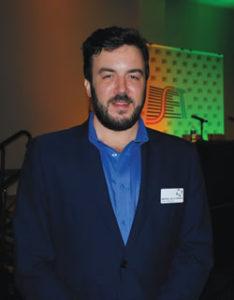 Manuel de la Serna ( Teradek) apresentou um case da TV Azteca que utilizou para produzir e gerenciar uma transmissão de TV ao vivo usando o Teradek Core, equipamento da empresa