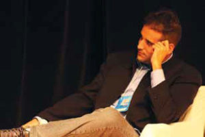 Vitor Chaves de Oliveira (SET/Unisal /Mackenzie) destacou que há, cada dia mais, uma fusão entre a computação, a telecom e a radiodifusão