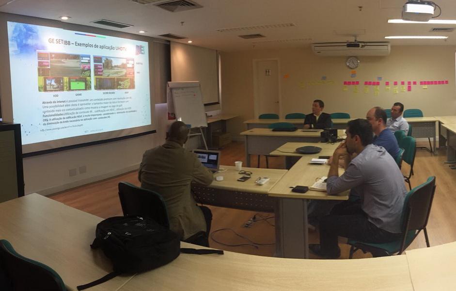 Grupo de Estudos de IBB em reunião na SET