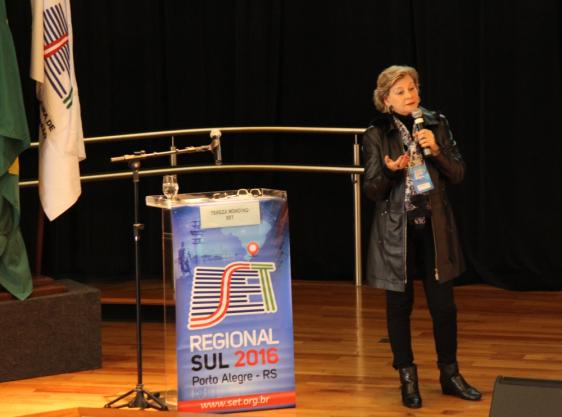 Tereza Mondino (SET) recomendou aos presentes que as emissoras devem realizar os seus próprios estudos de viabilidade para a migração