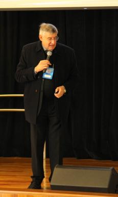 José Roberto Elias, abordou aspectos técnicos e econômicos relativos à escolha de antenas de FM e de TV Digital
