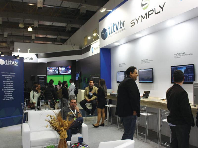 Entre outros desenvolvimentos, a TI.TV trouxe ao SET EXPO 2016 o Symply Share, um SAN para até oito usuários via Thunderbolt e para até vinte usuários via IP em rede de 10 GB