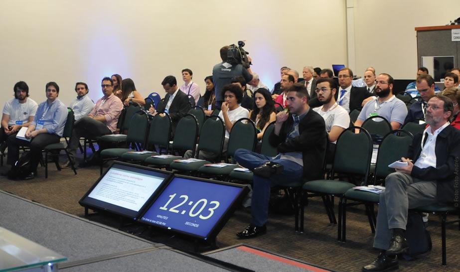 A 28° Edição do Congresso SET EXPO contou com a presença de cerca de 2 mil congressistas, distribuídos em cinco salas do Expo Center Norte nas 60 sessões organizadas pela entidade que debateram o que está passando, o que passou e o que está por vir na indústria audiovisual brasileira e mundial