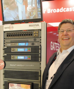 A Gates Air apresentou o primeiro transmissor Nativo IP. Rich Redmond, CPO da GatesAir afirma que o Maxiva UAXTE integra o modulador de alta-performance (GatesAir Maxiva XTE), possui refrigeração a ar e permite transmitir sinais de TV Digital (ATSC, DVB-T/T2 e ISDB-Tb), incluindo o ATSC 3.0
