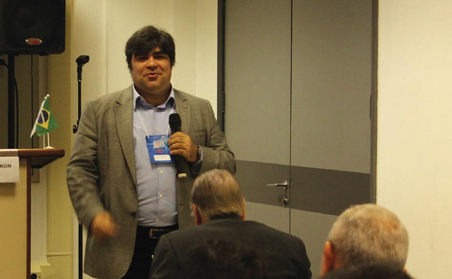 Ricardo Calderón (Eutelsat) acredita que os satélites podem ajudar as emissoras brasileiras e o governo a evitarem perdas de áreas de cobertura com o desligamento do sinal analógico em curso no país