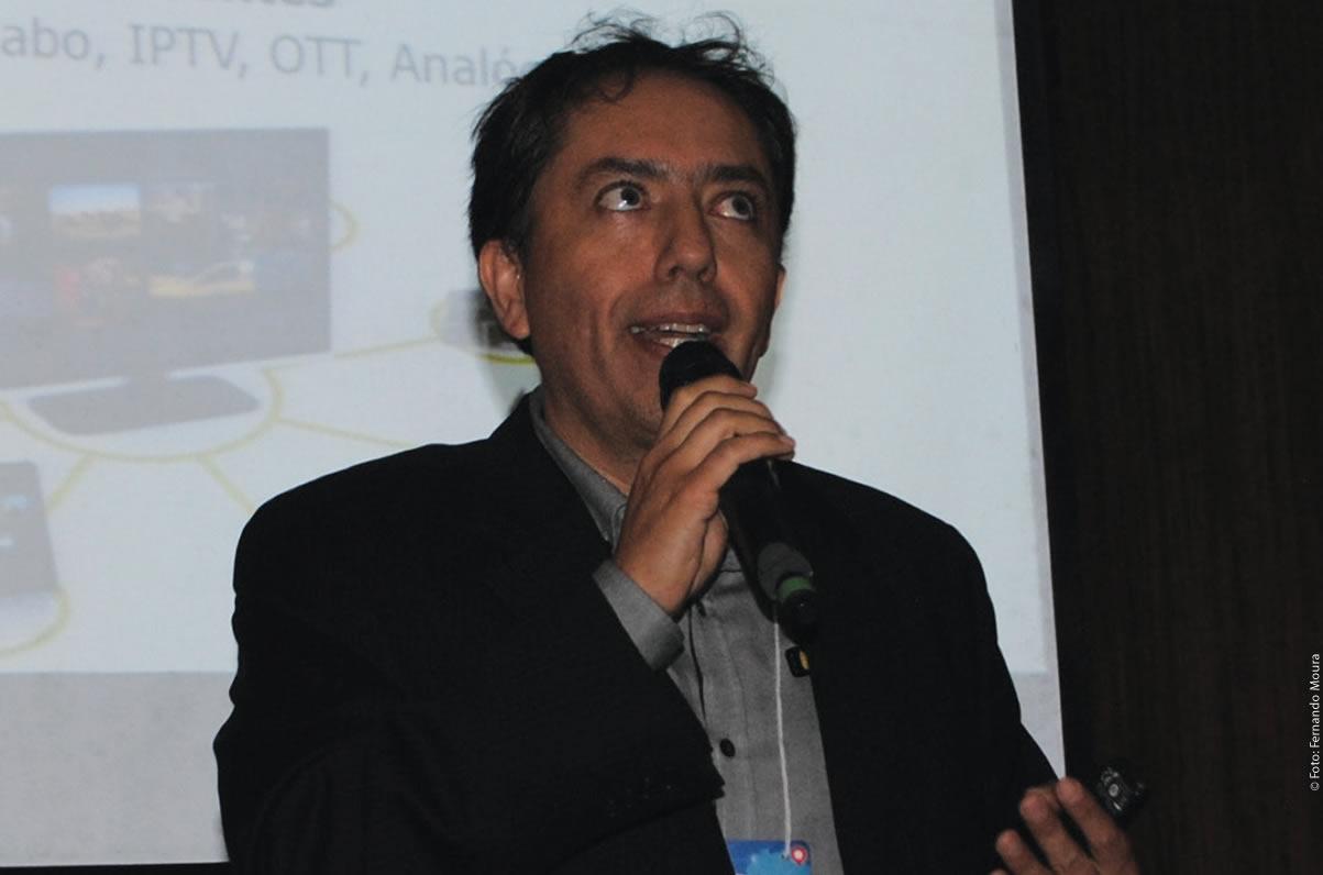 Ernesto Riedel (YOUCAST), apresentou as mudanças com as receitas publicitárias