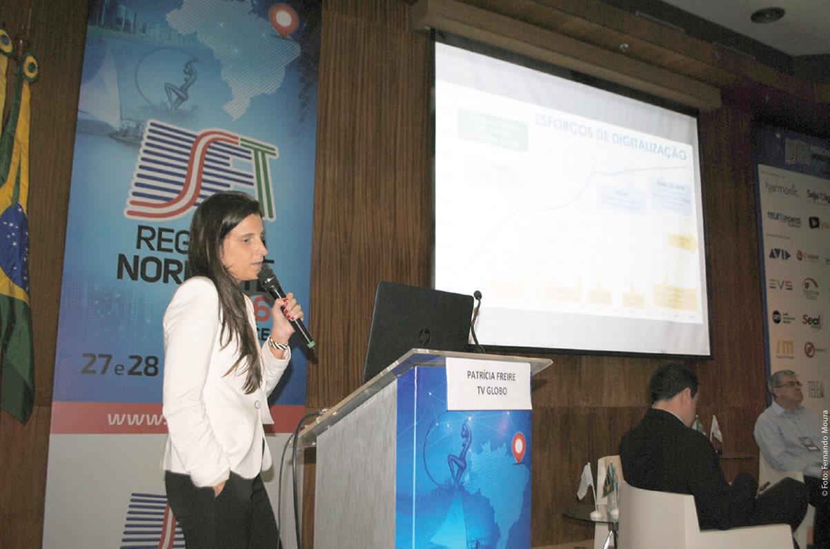 Patricia Freire (Globo) destacou que o remanejamento de sinais e a liberação da faixa de 700 MHz liberará o espectro radioelétrico na faixa dos canais 52 a 69 de UHF