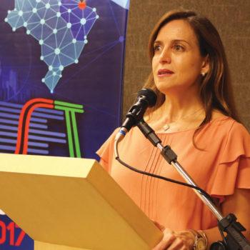 Patrícia Abreu (EAD/Seja Digital) explicou as estratégias  de comunicação da entidade no processo de digitalização e ressaltou a necessidade de mobilização social em regiões de população  com vulnerabilidade