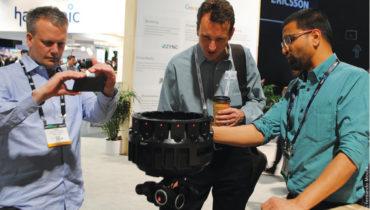 Uma das curiosidades da NAB foi que a Google apresentou um dispositivo de hardware, a Jump, uma câmera 3-D que capta imagens em 360º. Lançada em parceria  com a Yi Technology, a câmera utiliza tecnologia Yi Halo e produz conteúdo para ser exibido em realidade  virtual utilizando 16 câmeras que gravam em 4K