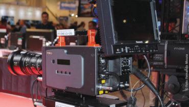 A For-a apresentou a nova  FT-One-LS-12G, uma câmera Super Slow Motion Full 4K  com gravação 4K e, capaz de gravar 500 fps em formato 4K e até 1.200 fps em HD. Para isso, a empresa desenvolveu um sensor original que reduz o ruído.  A câmera trabalha com lentes 2/3 polegadas montadas utilizando um adaptador de montagem B4-lente, bem como lentes PL. A câmera possui, ainda, saída simultânea de vídeo ao vivo e em super slow-motion, e ainda dispõe de uma a porta de saída 12G-SDI
