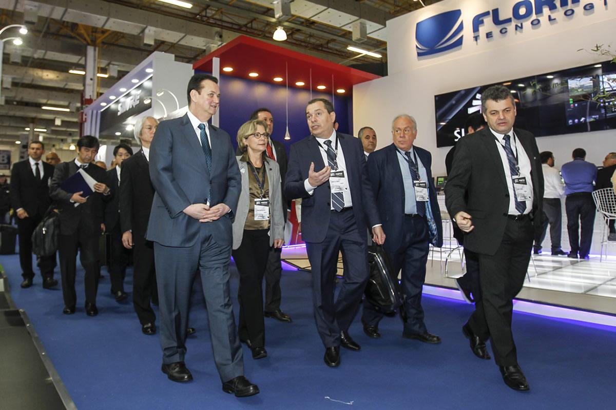 O ministro da Ciência, Tecnologia, Inovações e Comunicações, Gilberto Kassab,visita a Feira