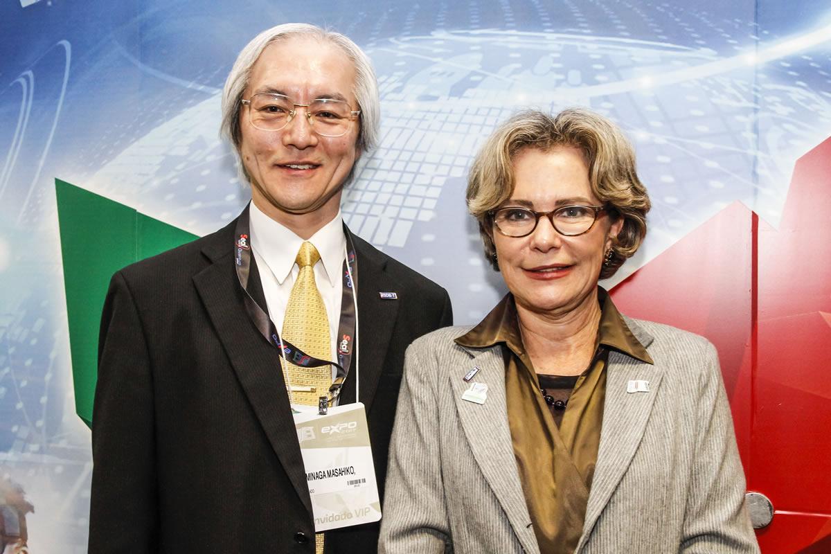 Minaga Masahiko -Vice-ministro do Japão e Liliana Nakonechnyj, Presidente da SET