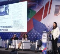 Fernanda Castilho A VISÃO DA COMUNICAÇÃO NA CONVERGÊNCIA DIGITAL